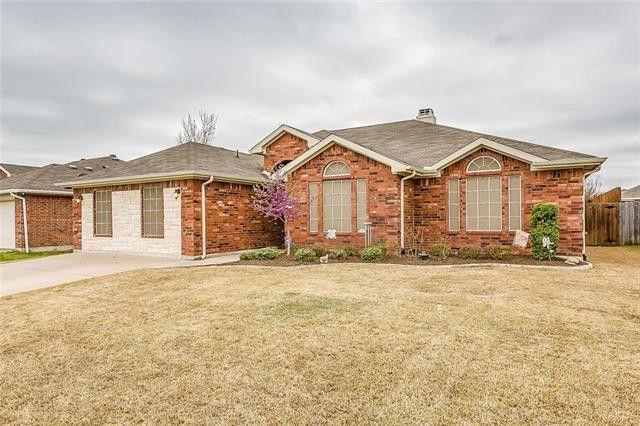 1013 Micah Rd, Burleson, TX 76028