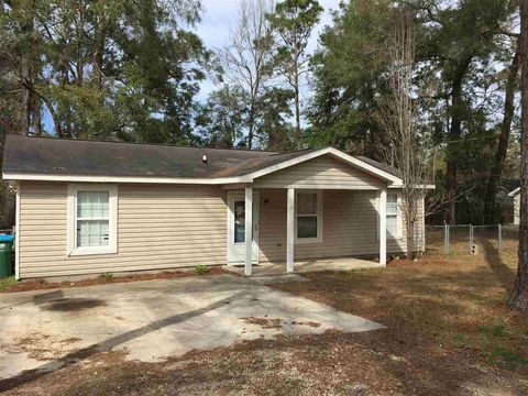 Photo of 10 Arapaho Trl, Crawfordville, FL 32327