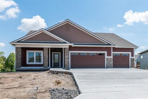 Photo of 328 Ne Pinehurst Cir, Ankeny, IA 50021
