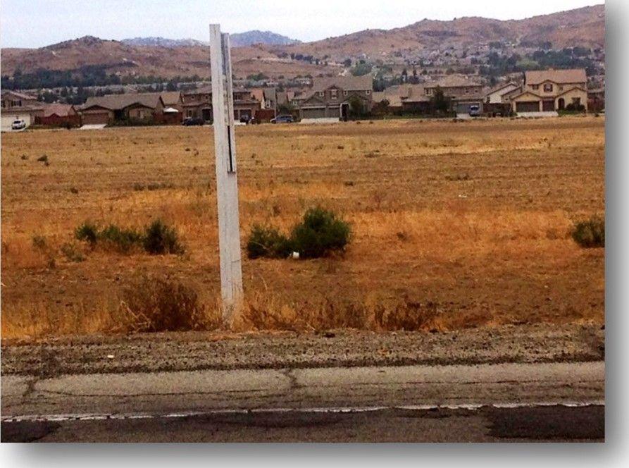14101 Oliver St, Moreno Valley, CA 92555