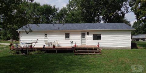 Photo of 913 N Eighth St, Oquawka, IL 61469