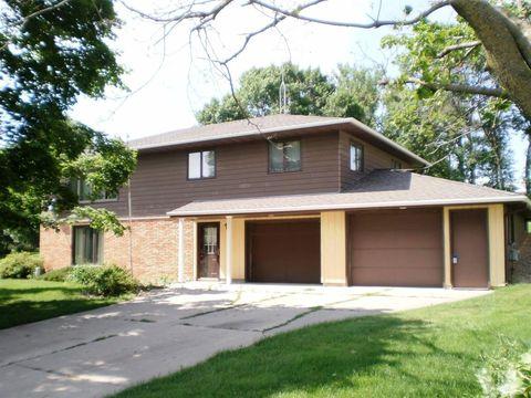 408 Garden St, Lake Mills, IA 50450