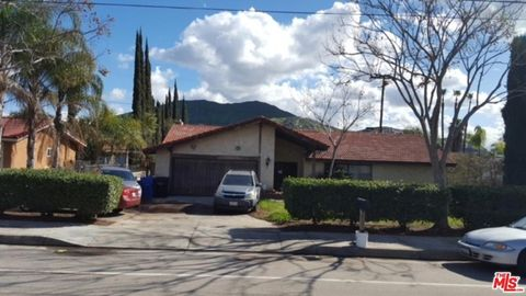 2566 Armstrong Rd, Riverside, CA 92509