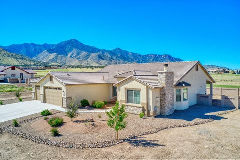 Photo of 6221 E Saddlehorn Cir, Hereford, AZ 85615