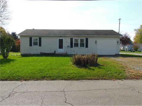 601 E 11th St, Rushville, IN 46173