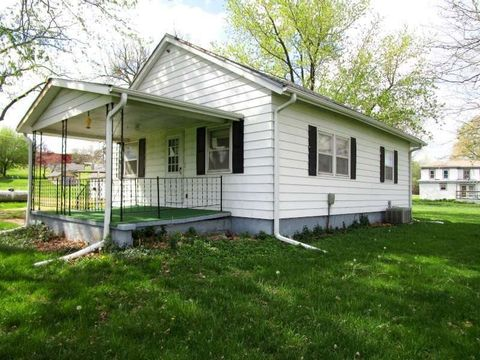 406 E Walnut St, Salem, NE 68433