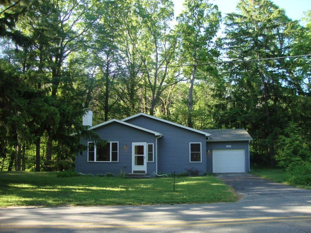 13106 Lubke Rd, New Buffalo, MI 49117