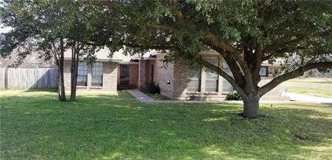 Photo of 3131 Shady Grove Cir, Granbury, TX 76049