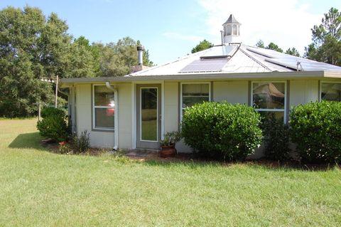 4515 Fieldcrest Cir, Campbellton, FL 32426