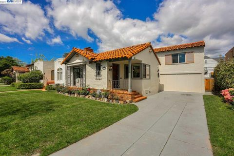 Photo of 2811 Lincoln Ave, Alameda, CA 94501