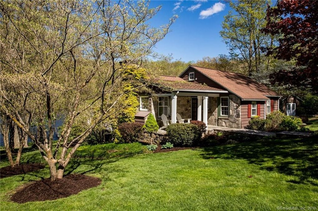 6 Chimney Point Rd, New Milford, CT 06776