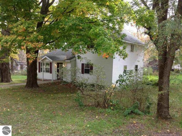 19913 kent st interlochen mi 49643 home for sale real estate