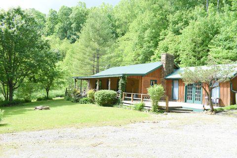 Photo of 157 Deer Ridge Dr, Ewing, VA 24248