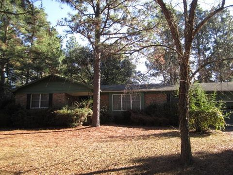 101 Pine Lake Dr, Whispering Pines, NC 28327
