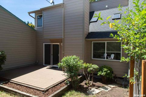 Photo of 2635 Nw Fireweed Pl, Corvallis, OR 97330