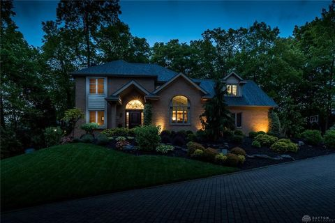 Photo of 10 Meadow Brook Dr, Springboro, OH 45066