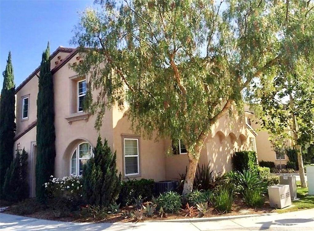 275 W Cork Tree Dr, Orange, CA 92865