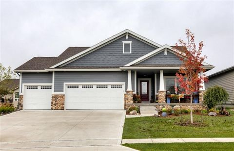 Photo of 367 Ne Pinehurst Cir, Ankeny, IA 50021