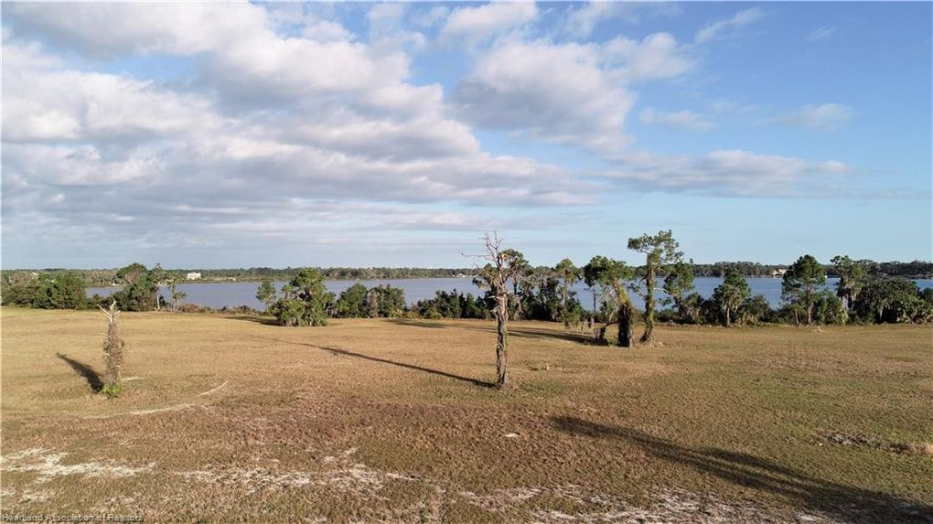 4012 Camp Shore Dr Sebring, FL 33875