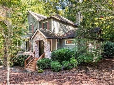 Photo of 53 Rolling Meadow Ln, Tuckasegee, NC 28783