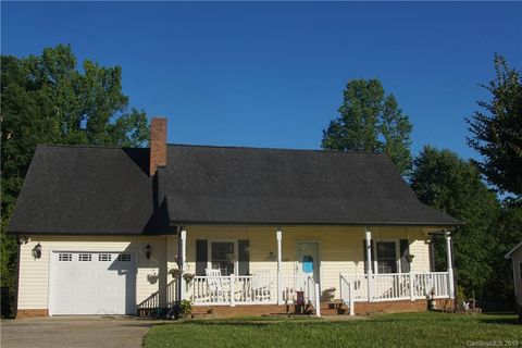 Photo of 2629 Castlehill Rd, Gastonia, NC 28052