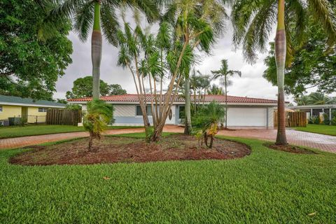 7115 Venetian Way, West Palm Beach, FL 33406