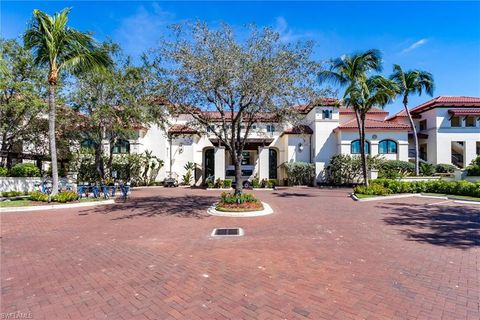 221 9th St S # 328, Naples, FL 34102