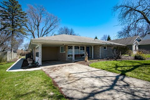Photo of 124 Crescent St, Elkhart, IN 46516