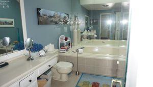 533 Mariner Village Dr, Huron, OH 44839 - Bathroom
