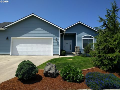 2016 Mc Kinley St, North Bend, OR 97459