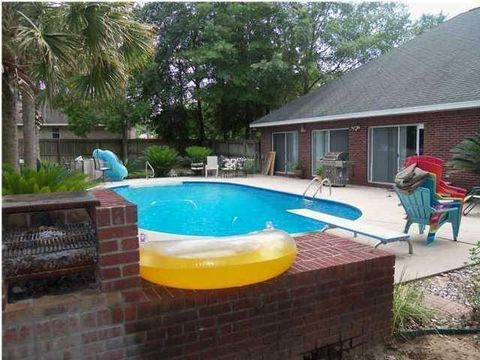 5855 Hunting Meadows Dr, Crestview, FL 32536