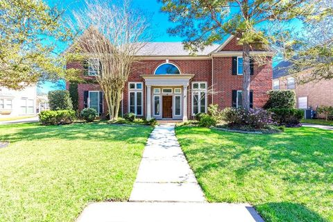 Photo of 2730 Masters Dr, League City, TX 77573