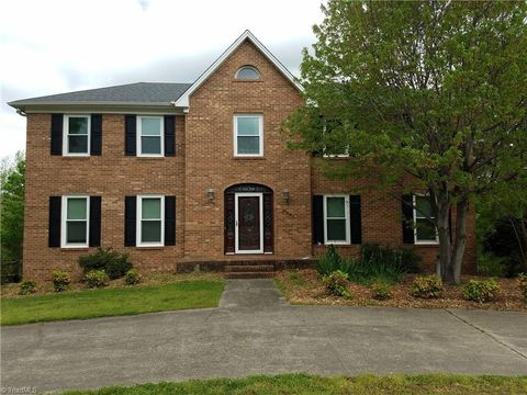 Photo of 6901 August Dr, Clemmons, NC 27012