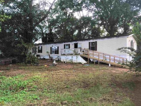 Photo of 54 W Skyland Dr, Locust Grove, GA 30248