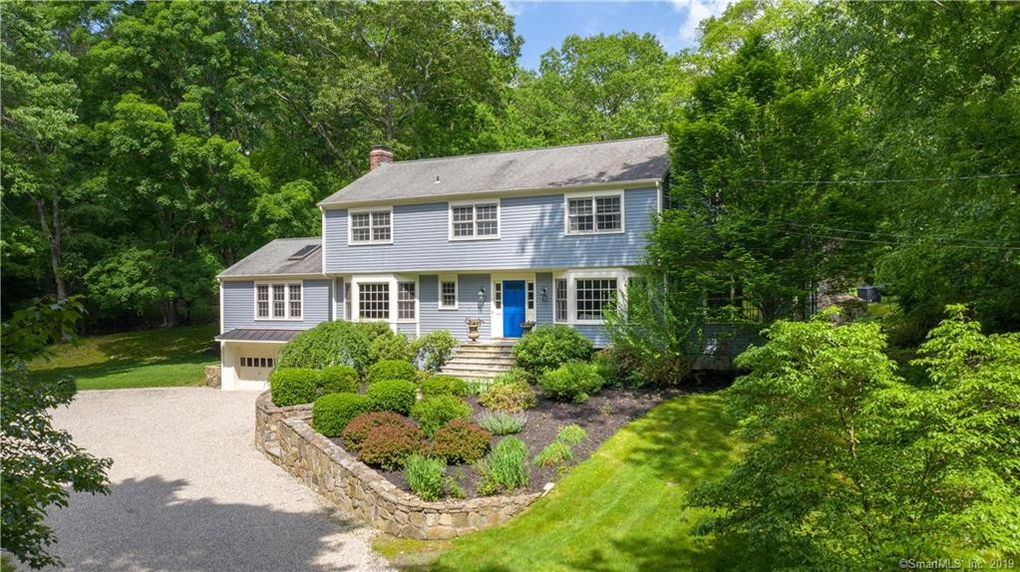24 Tubbs Spring Dr, Weston, CT 06883