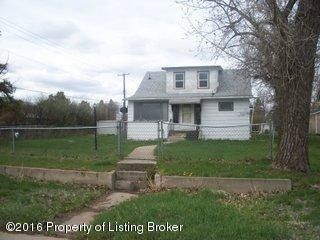 92 2nd St Nw, Beach, ND 58621