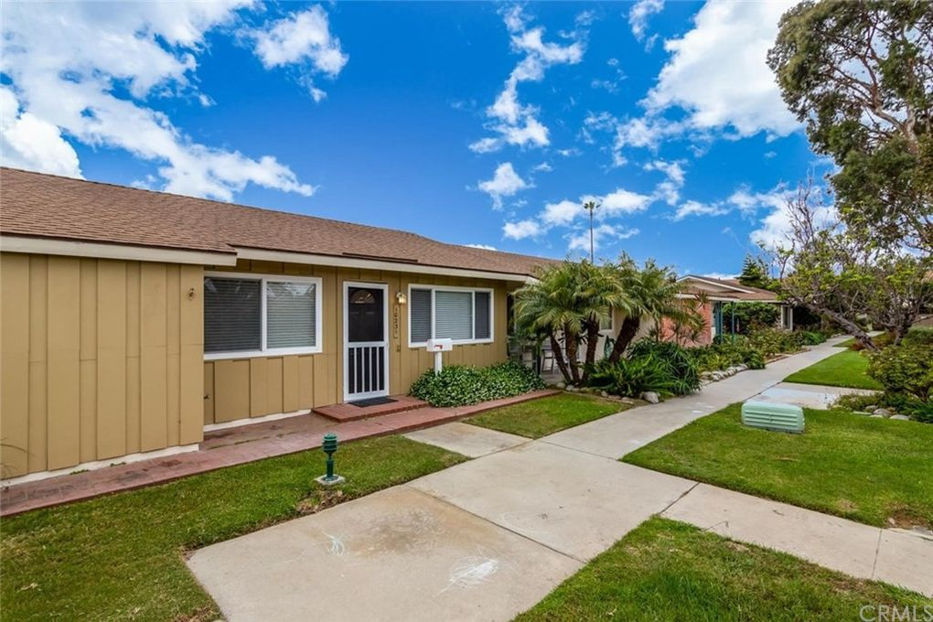 10231 Ascot Cir, Huntington Beach, CA 92646
