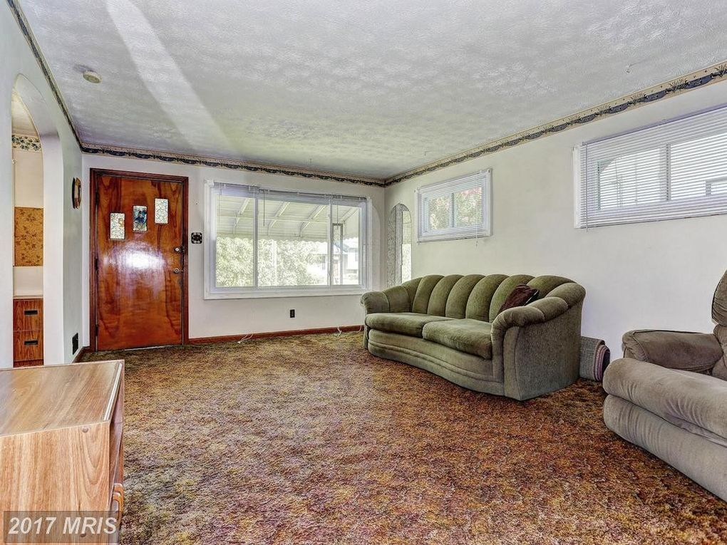 312 St Georges Rd, Essex, MD 21221