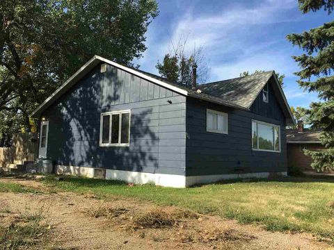 400 Nw Washington Ave, Bowbells, ND 58721