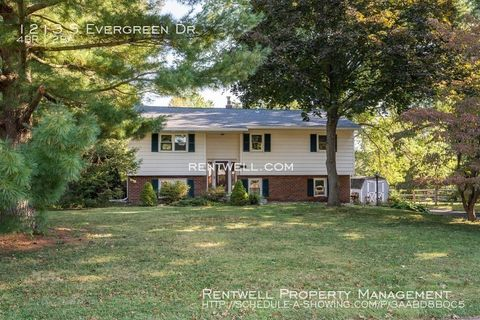 Photo of 1213 S Evergreen Dr, Phoenixville, PA 19460