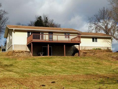 606 N Clay St, Mount Carroll, IL 61053
