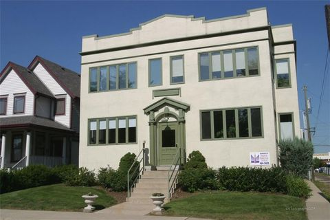 Photo of 919 Broadway St Apt F, Indianapolis, IN 46202