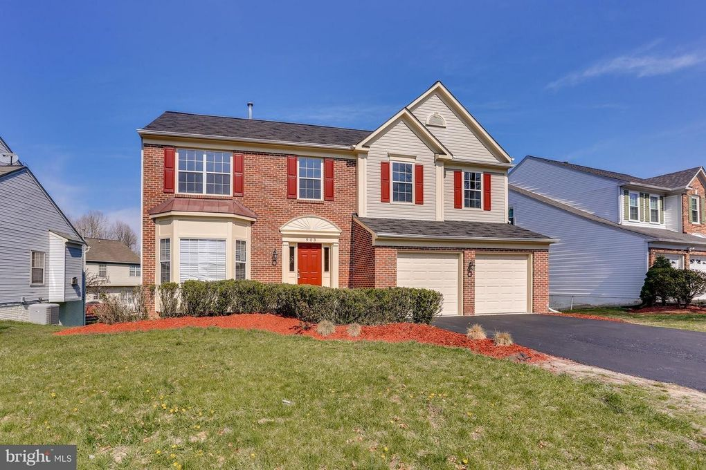 903 Falls Lake Dr, Bowie, MD 20721