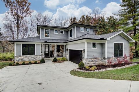 8701 Appleknoll Ln, Sycamore Township, OH 45236
