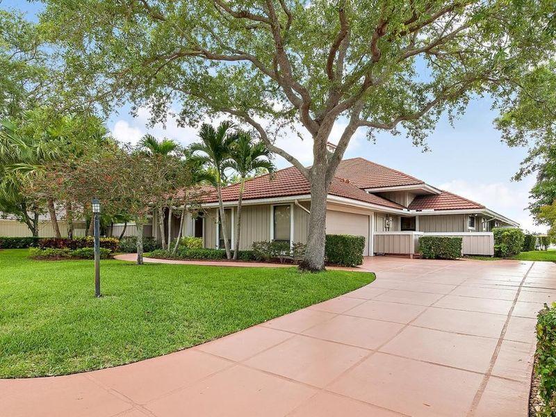 180 Thornton Dr Palm Beach Gardens Fl 33418 Home For