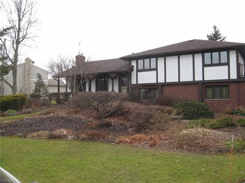 Photo of 30 State Rd, Hinckley, OH 44233