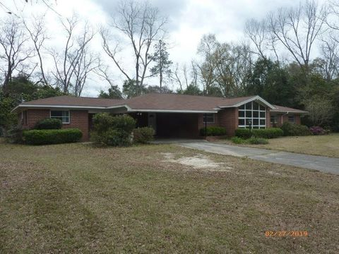 Photo of 109 E Plum St, Hazlehurst, GA 31539