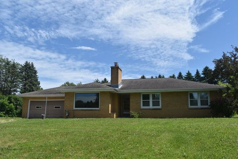 Photo of 16035 Spruce Ln, Brookfield, WI 53005