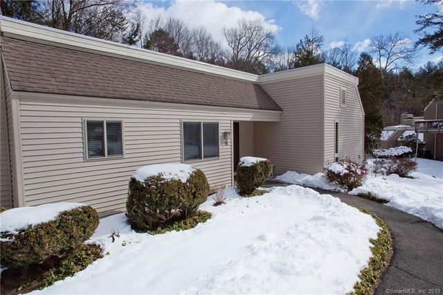 6 Carriage Dr Simsbury Ct 06070 Realtor Com 174