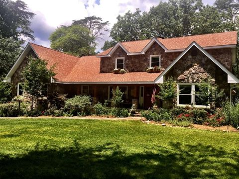 23 Whispering Pines Dr, Signal Mountain, TN 37377